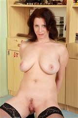34 Year Old Carol - Exclusive MILF Pictures from AllOver30.com