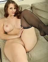 Chubby..Ebony..Milf..Hairy..Hips..Ass..Boobs(nude/no nude) 3 - eeeeee ...
