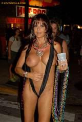 Public Tits N Tease 2 Cocco Pic 2/Quickdraw Fantasy Fest 2011 40jpg