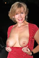 Anna Euro : Flashing Breasts