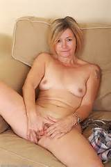48 Year Old Susie - Exclusive MILF Pictures from AllOver30.com