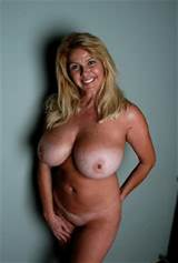 Tags: tanlines , amateur milf , huge melons