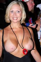 MILF Monday - Page 174 - Yellow Bullet Forums